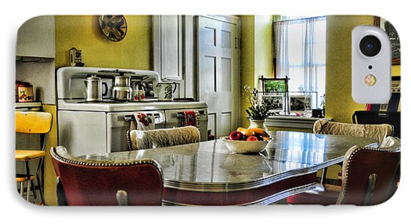 Americana - 1950 Kitchen - 1950s - Retro Kitchen Phone Case by Paul Ward