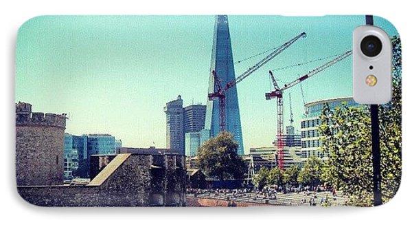 London iPhone 7 Case - #architecture #london #uk #sky by Abdelrahman Alawwad