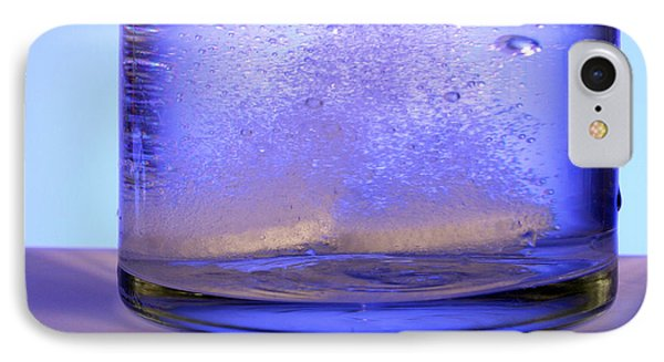 Bicarbonate Of Soda Dissolving In Water Phone Case by Photo Researchers, Inc.