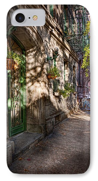 Bike - Ny - Greenwich Village - The Green District Phone Case by Mike Savad