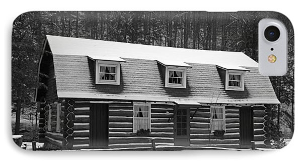 Days Of Yore Log Cabin Phone Case by John Stephens