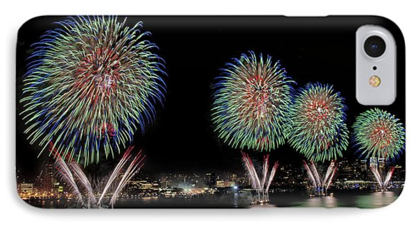 Fourt Of July In Nyc IPhone Case by Susan Candelario
