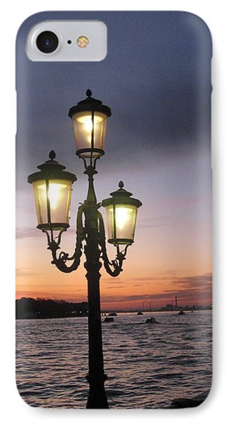 Lampost Sunset In Venice Phone Case by Catie Canetti