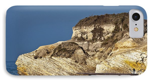 Large Rock And Picnic Area On Beach Phone Case by David Buffington
