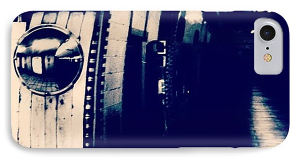 #london #londonpop #underground #bnw IPhone Case