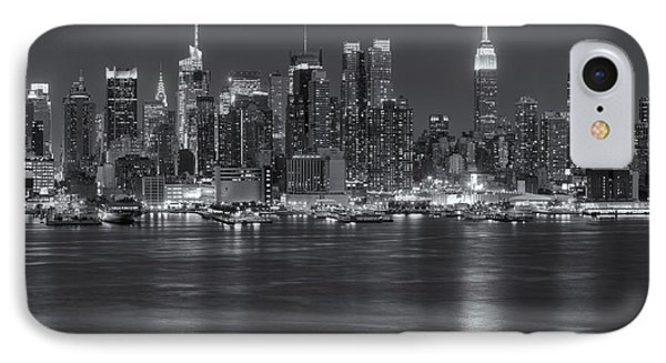 Manhattan Twilight Vii Phone Case by Clarence Holmes