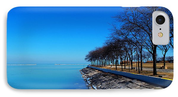 Michigan Lakeshore In Chicago Phone Case by Paul Ge