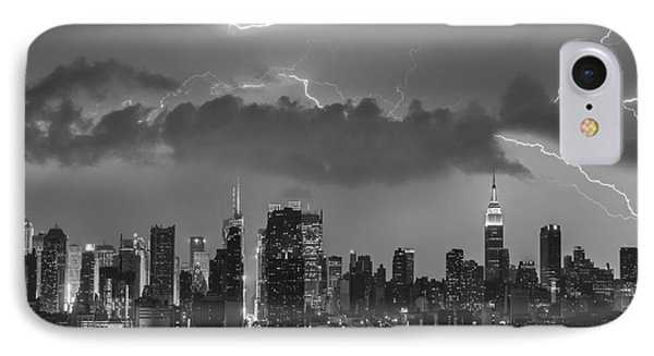 Nyc All Charged Up Bw Phone Case by Susan Candelario