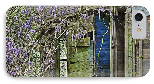 Old Abandoned House IPhone Case by Susan Leggett