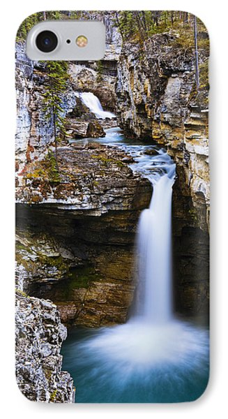 Overview Of Icefields Parkway, Beauty Phone Case by Yves Marcoux