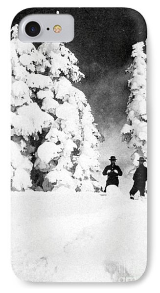 Paradise Inn, Mt. Ranier, 1917 Phone Case by Science Source