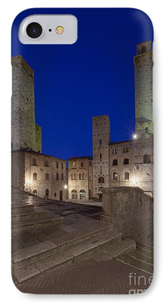 Piazza Duomo At Dusk Phone Case by Rob Tilley