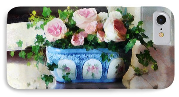 Pink Roses And Ivy Phone Case by Susan Savad