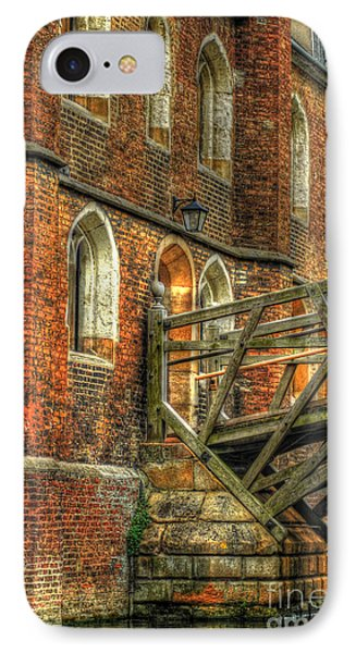 Queens' College And Mathematical Bridge Phone Case by Yhun Suarez