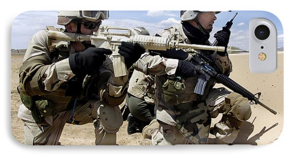 Soldiers Respond To A Threat Phone Case by Stocktrek Images