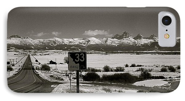 IPhone Case featuring the photograph The Road Home by Eric Tressler