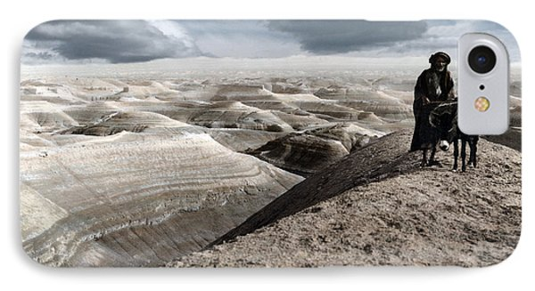 Traveling Through The Desert Phone Case by Munir Alawi