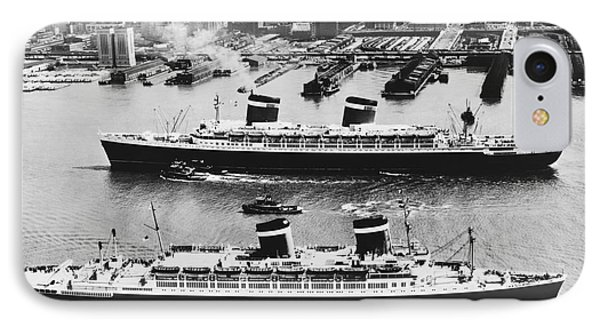 United States Lines Ships Phone Case by Photo Researchers