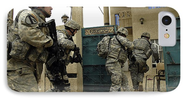 U.s. And Iraqi Army Soldiers Rushing Phone Case by Stocktrek Images
