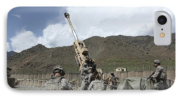 U.s. Soldiers Prepare To Fire Phone Case by Stocktrek Images