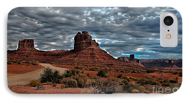 Valley Of The Gods II Phone Case by Robert Bales