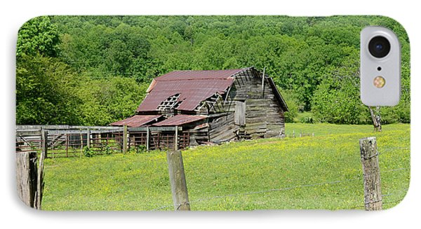 Old Goshen Barn IPhone Case by Susan Leggett