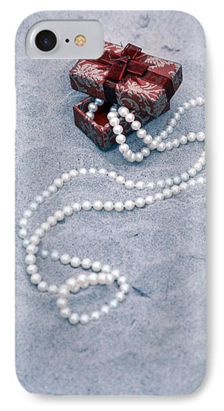 Pearl Necklace IPhone Case