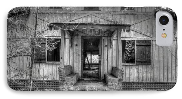 IPhone Case featuring the photograph This Old House by Mike Eingle