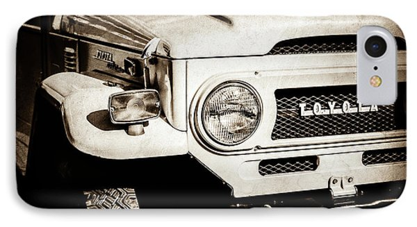 1973 Toyota Fj40 Land Cruiser Grille Emblem -1918s IPhone Case