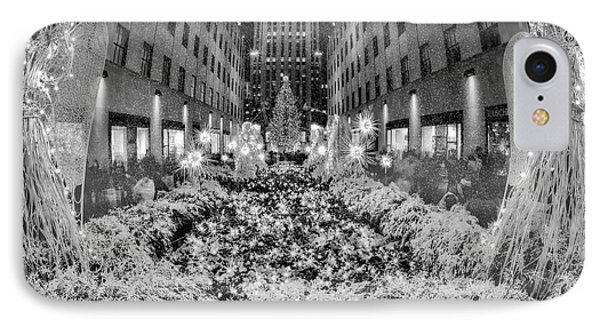 Rockefeller Center  Christmas Nyc IPhone Case by Susan Candelario