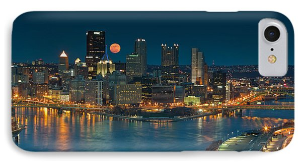 2011 Supermoon Over Pittsburgh Phone Case by Jennifer Grover