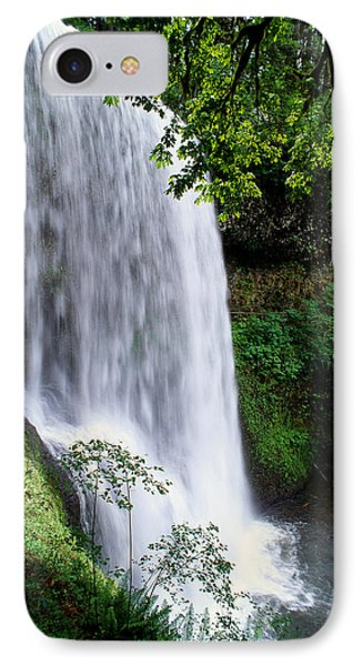 View Of Oregon Phone Case by Greg Vaughn - Printscapes