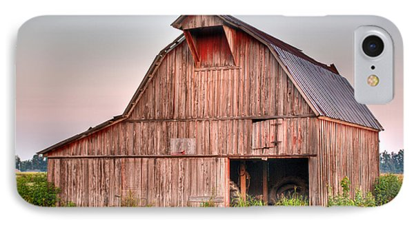 Barn Near Walnut Ridge Arkansas Phone Case by Douglas Barnett