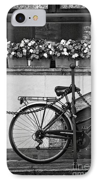 Bicycle With Flowers IPhone 7 Case