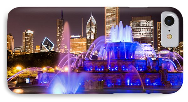 Buckingham Fountain At Night With Chicago Skyline Phone Case by Paul Velgos