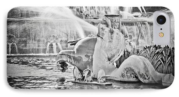 Buckingham Fountain Chicago Phone Case by Paul Velgos