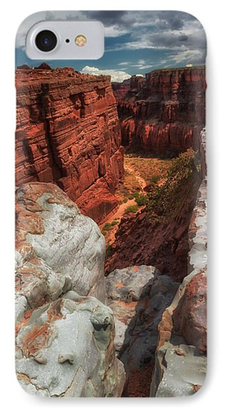 Canyon Lands Quartz Falls Overlook IPhone Case by Gary Warnimont