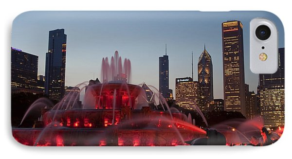 Chicago Skyline And Buckingham Fountain Phone Case by Sven Brogren