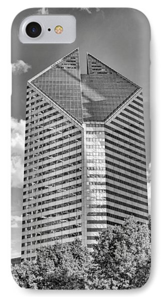IPhone 7 Case featuring the photograph Chicago Smurfit-stone Building Black And White by Christopher Arndt