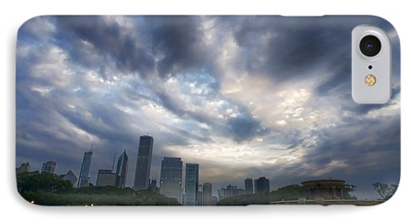 Chicago's Buckingham Fountain When It's Turned Off IPhone Case by Sven Brogren