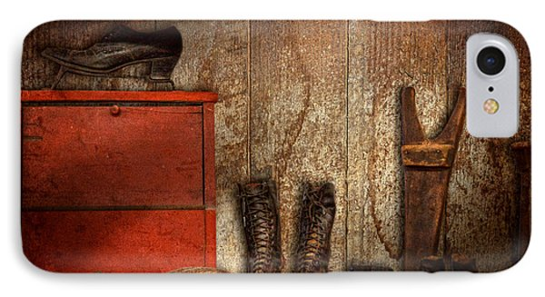 Cobbler - The Shoe Shiner 1900  Phone Case by Mike Savad