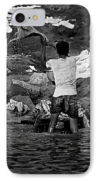 Dhobi Wallah Bw Phone Case by Steve Harrington