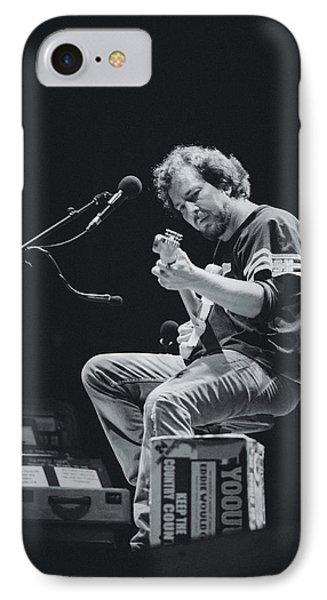 Eddie Vedder Playing Live IPhone 7 Case