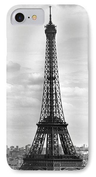 Eiffel Tower Black And White IPhone 7 Case by Melanie Viola