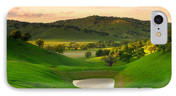 Fading Light At Round Valley Phone Case by Marc Crumpler