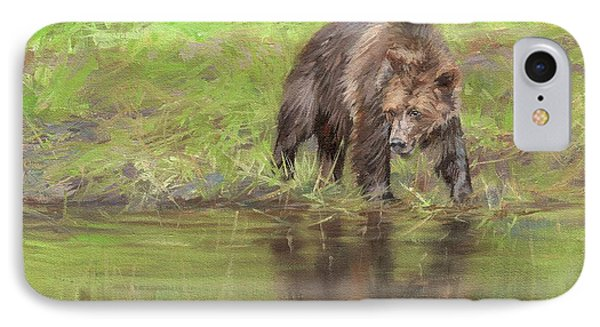 Grizzly Bear At Water's Edge IPhone 7 Case