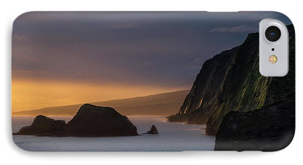 Pacific Ocean iPhone 7 Case - Hawaii Sunrise At The Pololu Valley Lookout by Larry Marshall