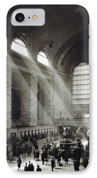 Holiday Crowd At Grand Central Terminal, New York City, Circa 1920 IPhone Case by American School