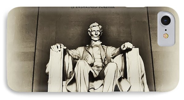 Lincoln Memorial Phone Case by Bill Cannon