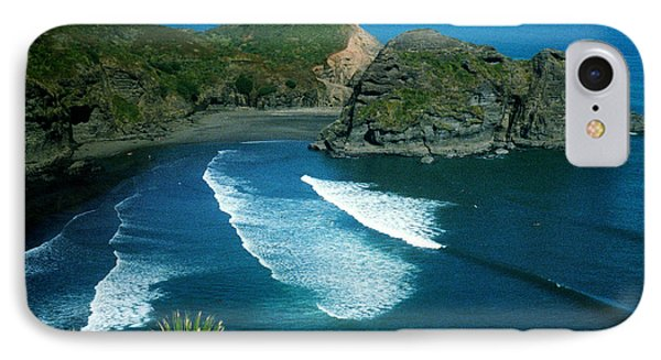 Lion Beach Piha New Zealand IPhone Case